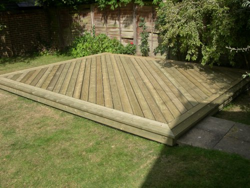 Timber Decking in Berden. Image 08