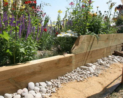 Timber decking photo of the Hampton Court Flower Show 010