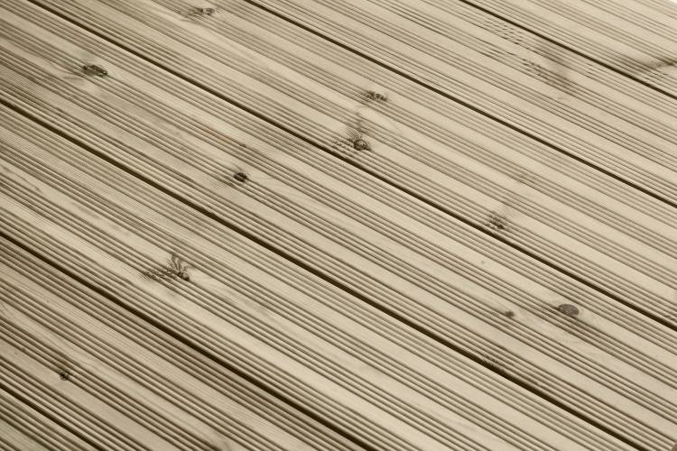 Q-Deck winchester decking reeded profile in situ